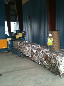 two-ram-wide-aluminum-can-balers